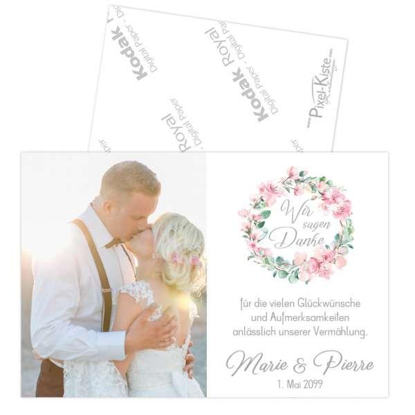 Danksagungen zur Hochzeit mit Kirschblüten und Eukalyptus in echter Fotoqualität
