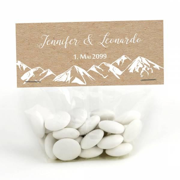 personalisierte Gastgeschenke für die Berghochzeit in Kraftkartonoptik