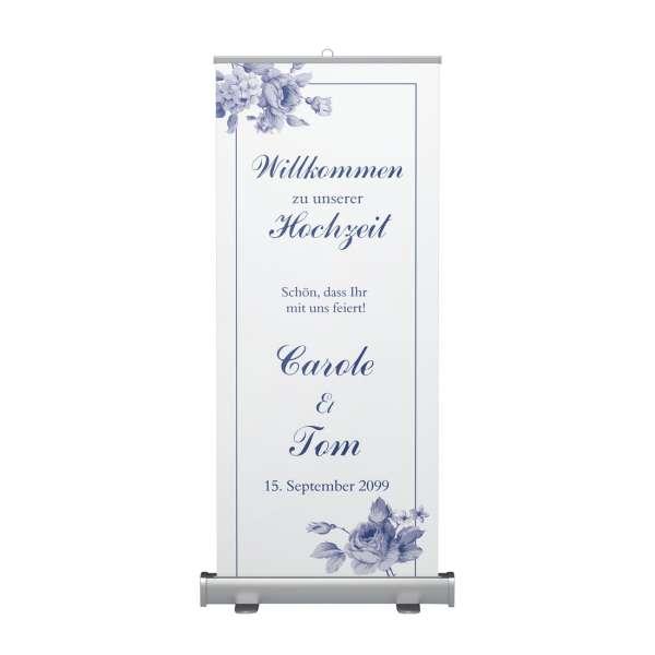 Roll-Up Willkommenschild für die Hochzeit mit Blüten in indisch blau